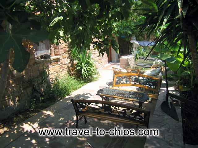 In the garden of Villa Clio you can enjoy your Cofe or your meal CLICK TO ENLARGE